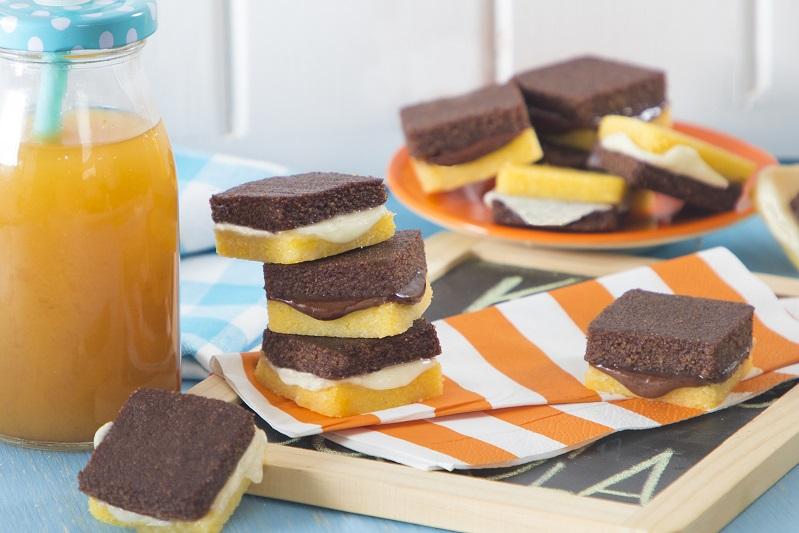 biscotti di polenta con cuori di cioccolato